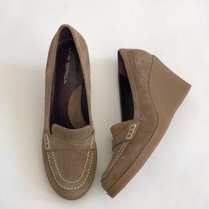 Via Spiga Women's Tan Beige Wedge Loafer Shoes